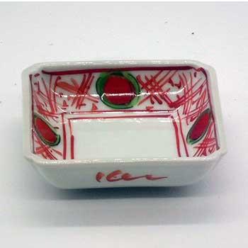 肥前陶磁器専門のオンラインショップ陶樹庵 有田焼 色絵 錦地紋 赤玉 角小皿
